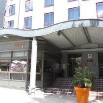 Lé Hotel.
