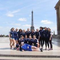 Team Finland ja Eiffel torni.