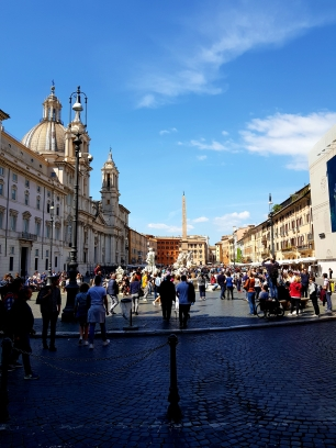 The beatiful view opening when entering Piazza Navona.