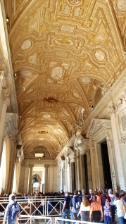 Beautiful ceiling before even entering the basilica