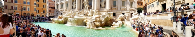 Panorama picture of Fontana di Trevi.