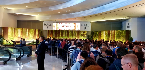 Morning session in main hall of Dreamforce.
