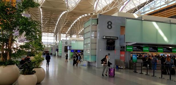 Modern and clean terminal.